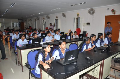 Students attending Malayalam wikipedia workshop