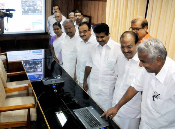 NYT lauds Oommen Chandy's 24/7 office webcast